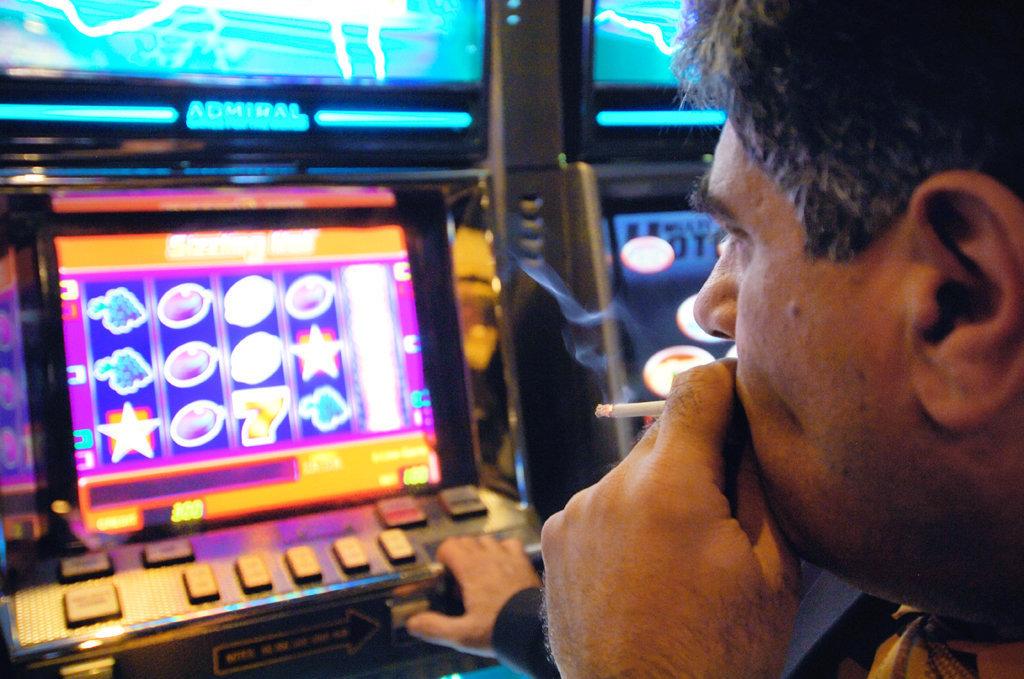 Игровые аппараты закон что будет работнику без регистрации и бесплатно и смс игровые автоматы