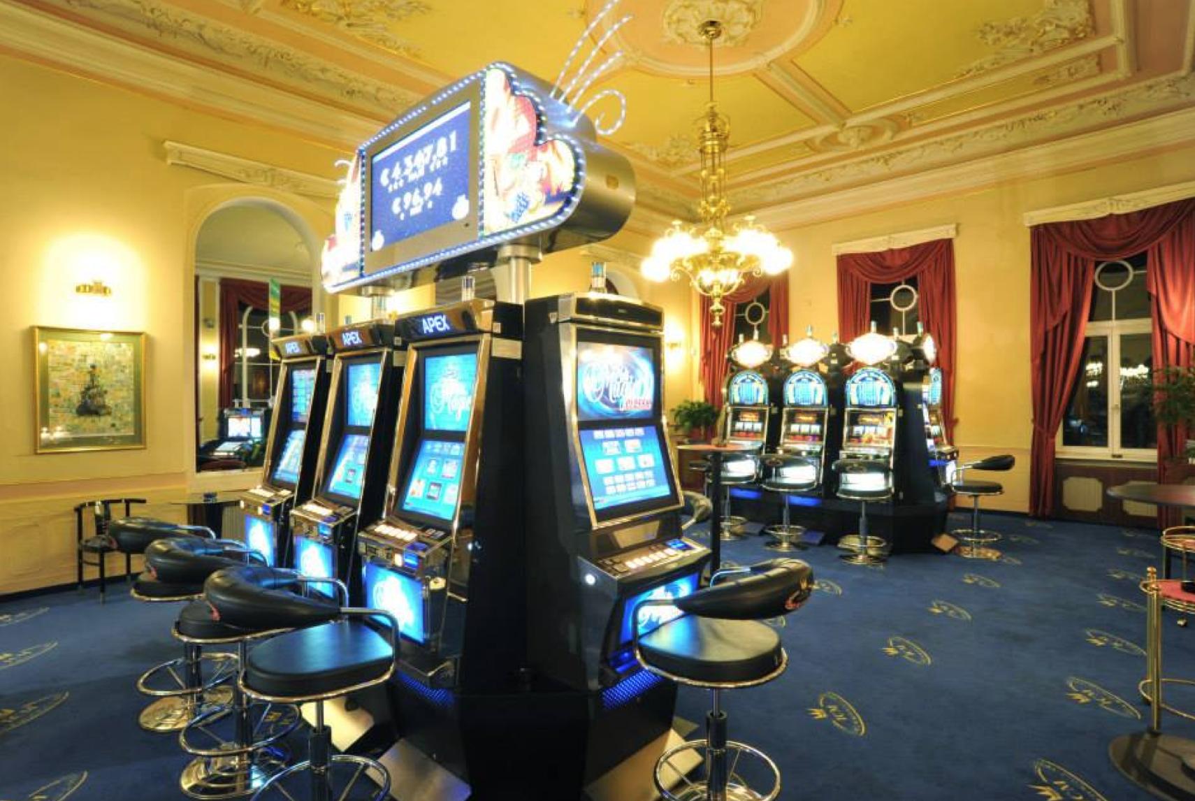 Хрусталь казино вход через зеркало скачать сохранения gta san andreas казино рояль агент 007