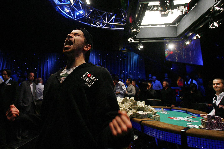 Самый большой выигрыш в истории покера 9 фотография